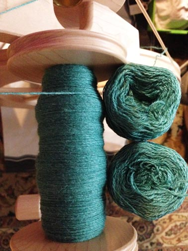 Plying fingerling yarn