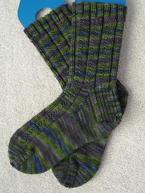 Simple Skyp Socks by Adrienne Ku